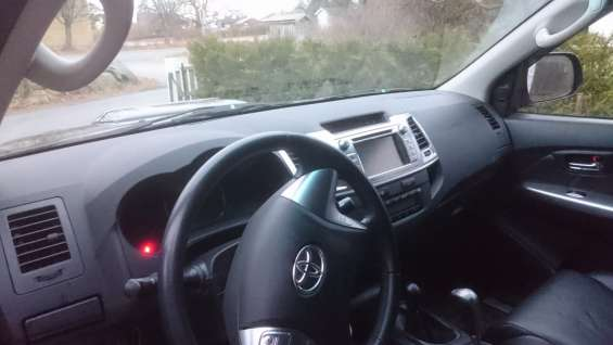 Toyota hilux d-4d 171hk d-cab 4wd