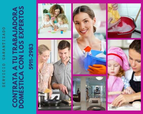 Trabajadoras domésticas por mes y por mes